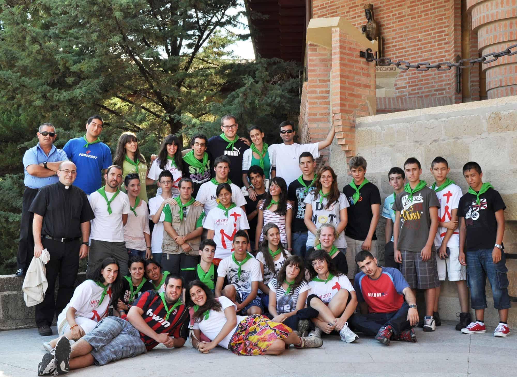 Jóvenes de la Parroquia de San Patricio de Madrid preparando la JMJ.jpg