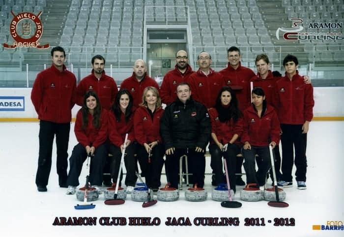 equipo_curling_c.h._jaca_2011-2012.jpg