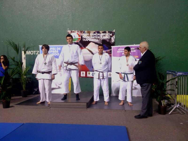 el_podio_de_90_kg_.jpg